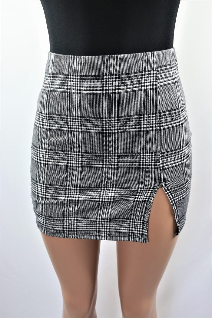Monochrome Plaid Skirt